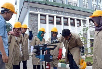Daftar PTN dan PTS Penyelenggara Program Profesi Insinyur