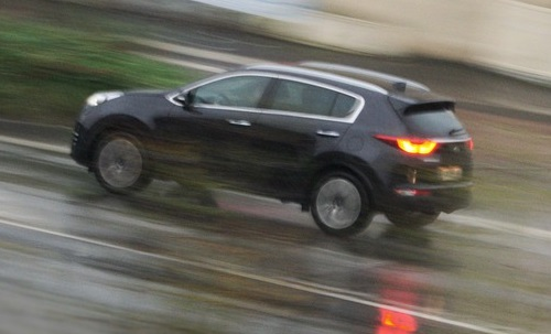 Tips agar mobil bermesin kecil LCGC kuat melintasi tanjakan